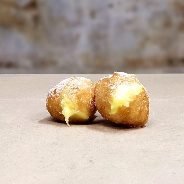 Castagnole fritte ripiene alla crema