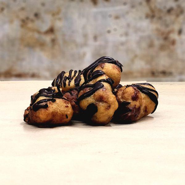 Castagnole fritte ripiene al cioccolato